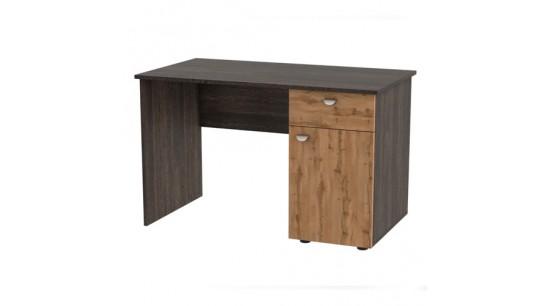 Стеллажи и столы